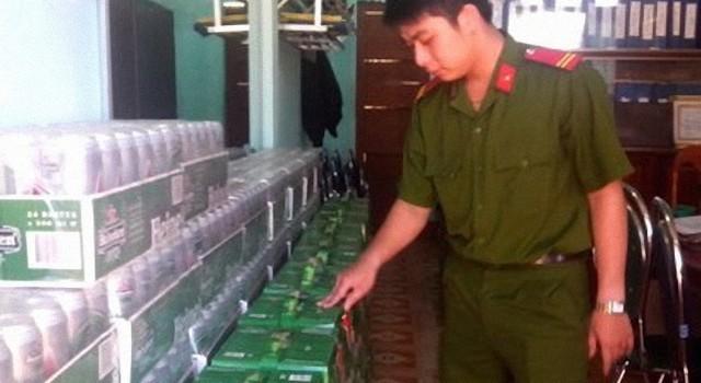 Bắt giữ hàng ngàn chai bia Heineken không rõ nguồn gốc xuất xứ