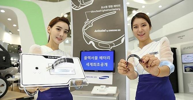 Samsung và LG đồng loạt ra mắt pin uốn cong