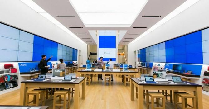 """""""Thám hiểm"""" khu trình diễn các """"siêu phẩm"""" của Microsoft"""