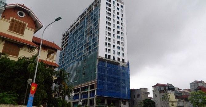 """Địa ốc 24h: """"Điểm nóng"""" dự án 8B Lê Trực, dân phố Nha Trang khổ vì ngập lụt"""