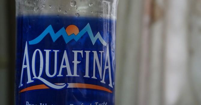 Aquafina dùng nước công cộng đóng chai: Có thực sự bị hiểu nhầm?