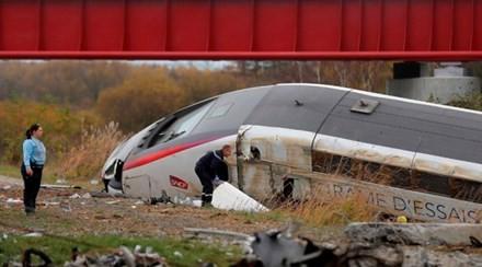 Tàu cao tốc Pháp trật đường ray, 42 người thương vong