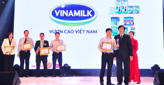 """Vinamilk năm thứ 3 liên tiếp được bình chọn là thương hiệu """"Tin và dùng"""""""