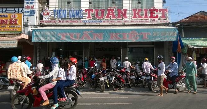 Thêm một tiệm vàng ở Cà Mau cần được làm rõ về doanh số khủng