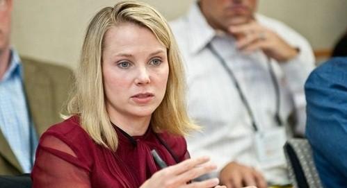 CEO Yahoo có thể mất việc