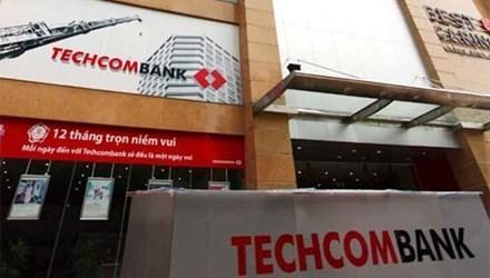 """Techcombank """"trần tình"""" việc cổ đông nội bộ bán cổ phiếu"""