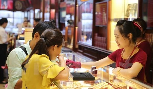 Đảo chiều, vàng SJC lấy lại mốc 33 triệu đồng ở phiên cuối tuần