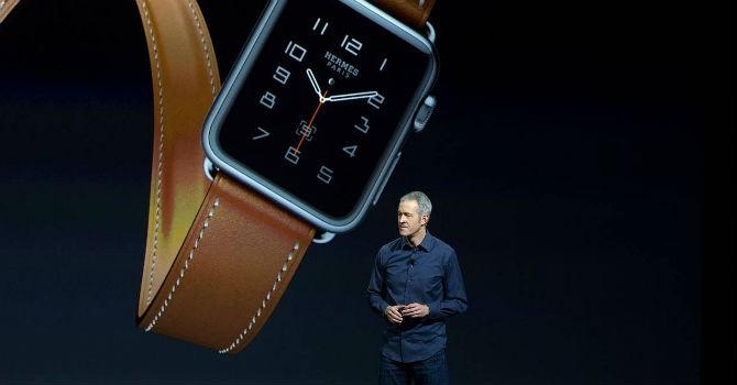 """Ai là người kế nhiệm """"sáng giá"""" chức CEO Apple của Tim Cook?"""
