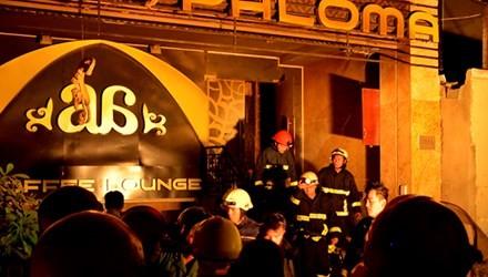 Quán cà phê 4 tầng phát hỏa, khách hàng hoảng loạn tháo chạy