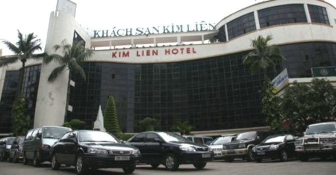 """Khách sạn Kim Liên lãi cò con, đại gia 9X vẫn """"quyết đấu"""" bầu Thụy"""