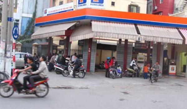 Bắt quả tang 2 cây xăng tại Hà Nội gắn 6 chíp gian lận