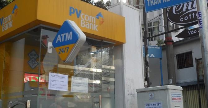 Dân lao đao vì cây ATM cũng nghỉ tết