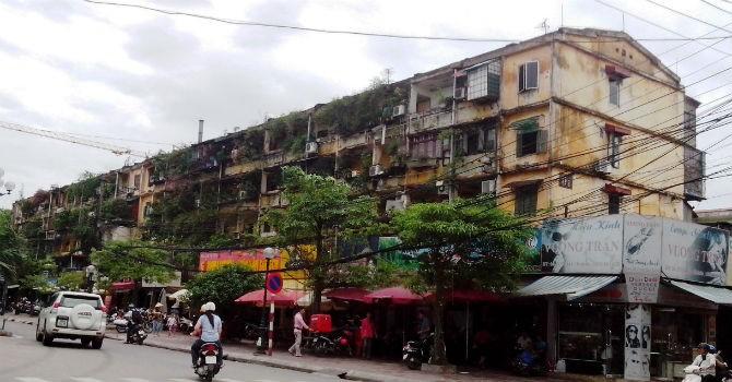 Địa ốc 24h: Cư dân xô xát đến đổ máu, chung cư có cần xếp hạng?