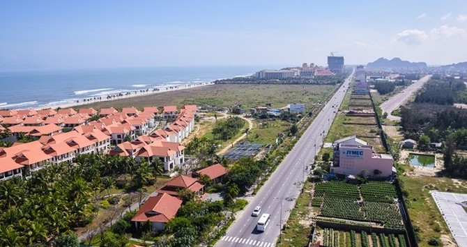 Địa ốc 24h: Hàng loạt cao ốc, căn hộ bịt lối ra biển Đà Nẵng