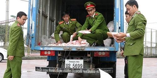 2,5 tấn mì chính giả từ Lào về Việt Nam