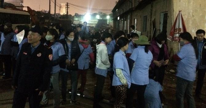 """Công nhân CTCP Dệt Mùa Đông """"tố"""" bị đánh khi ngăn cản thi công"""