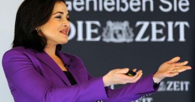 Giám đốc điều hành Facebook hiến 31 triệu USD làm từ thiện