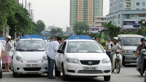 Sẽ thu hồi phù hiệu taxi của những doanh nghiệp nhỏ lẻ
