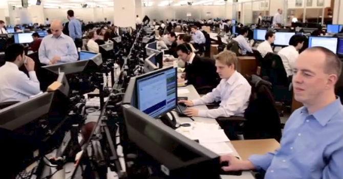 """Đây là cách Goldman Sachs thuyết phục những tài năng công nghệ """"ngó lơ"""" Google"""