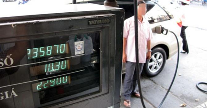 Sản xuất IC để ăn cắp xăng dầu, lãnh 2 năm tù