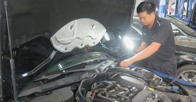 Nhiều ô tô chết máy do xăng