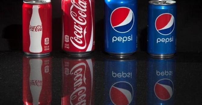 """Coca-Cola, Pepsi và """"mẹo tiếp thị lớn nhất thế kỷ"""""""