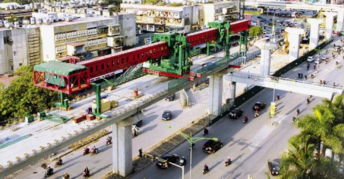 Thi công ì ạch, nhiều dự án giao thông tại Hà Nội lại bị thúc tiến độ