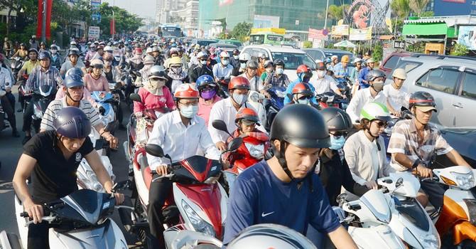 """Bí thư Đinh La Thăng: """"Người tham gia giao thông mệt mỏi rồi!"""""""