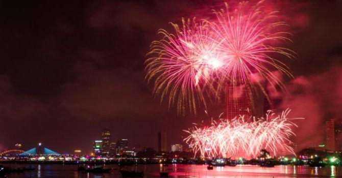Đà Nẵng sẽ tổ chức thi trình diễn pháo hoa quốc tế 2017 trên xà lan