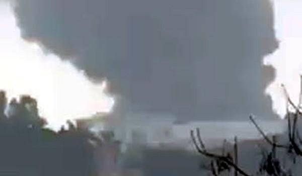 Cháy ở khu công nghiệp Phố Nối, cột khói đen nghi ngút