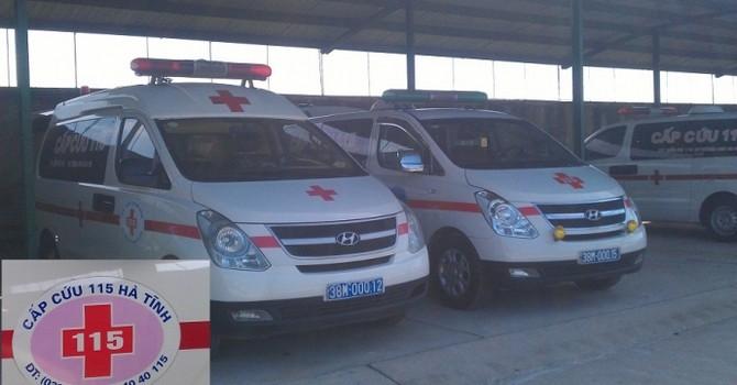 """Cảnh sát giao thông Hà Tĩnh đề nghị thu hồi dàn xe cấp cứu """"biển xanh tư"""""""