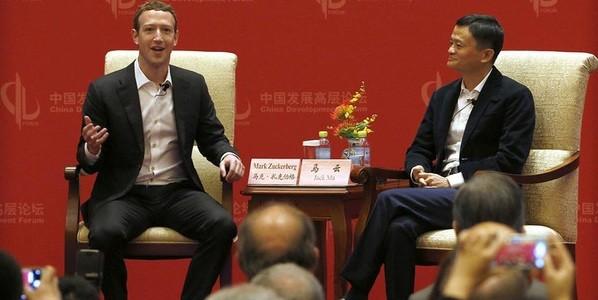 """Mark Zuckerberg tranh luận với Jack Ma: Người Mỹ thực tế, người Hoa """"cổ động"""""""