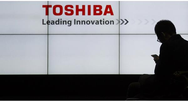"""Toshiba - thương hiệu Nhật Bản 140 năm tuổi đang """"khốn khổ"""" thế nào?"""