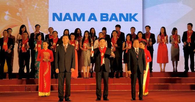"""Nam A Bank vinh dự nhận giải thưởng """"Thương hiệu mạnh Việt Nam 2015"""""""