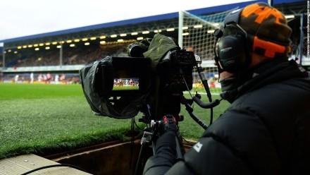 Bản quyền truyền hình giải ngoại hạng Anh: 1.700 tỷ là cái giá... phi lý