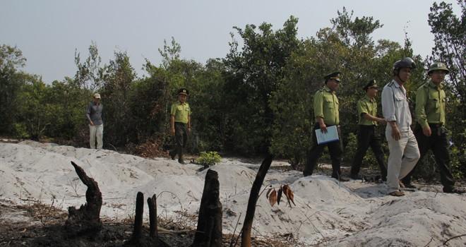 Đà Nẵng: Chính quyền vào cuộc, hàng trăm mộ giả... bốc hơi