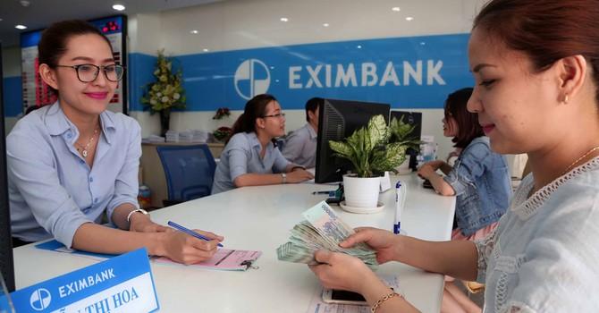 """Thực hư chuyện """"thanh trừng nội bộ"""" ở Eximbank"""
