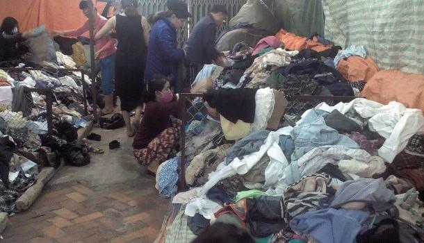 Hãi hùng quần áo đổ đống siêu rẻ
