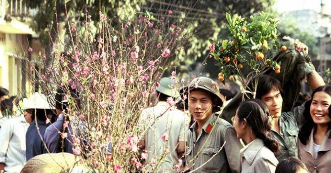 """Cuối tuần ngược thời gian nhìn lại """"Việt Nam những năm 80"""""""