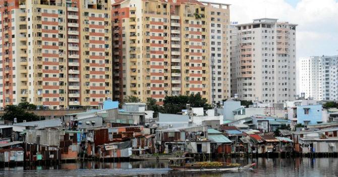 Địa ốc 24h: Giữa Sài Gòn nơi dày đặc chung cư, nơi nhếch nhác ổ chuột