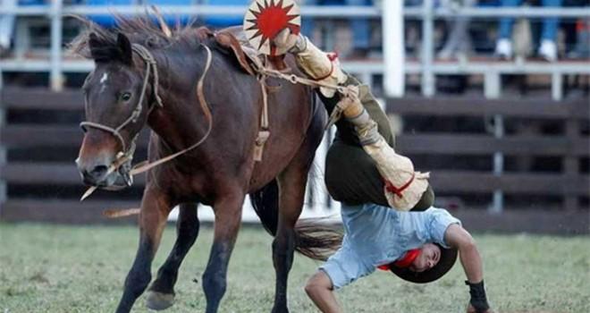 """Chứng khoán Kim Long giải thể, cổ phiếu dầu khí có """"ngã ngựa"""" cùng?"""