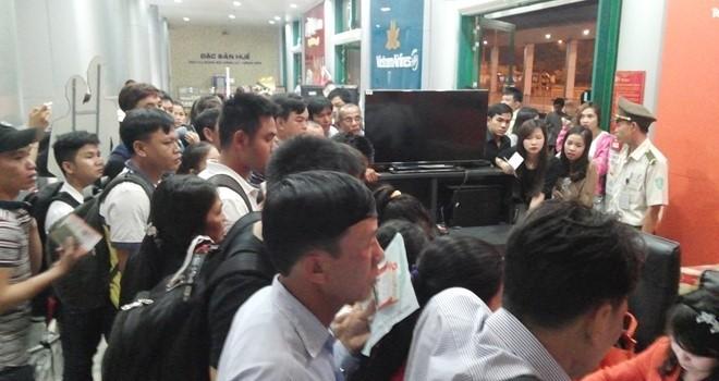 Bay từ Huế về Sài Gòn nhưng khách phải mất 2 ngày