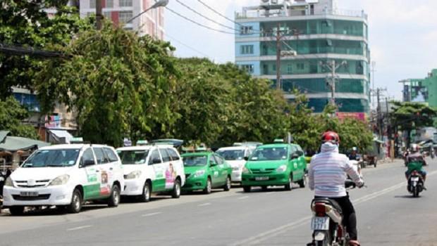 Đề xuất doanh nghiệp taxi tại TP.HCM, Hà Nội có ít nhất 200 xe
