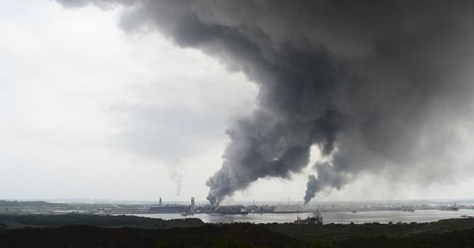 Nổ nhà máy lọc dầu tại Mexico, gần 140 người thương vong
