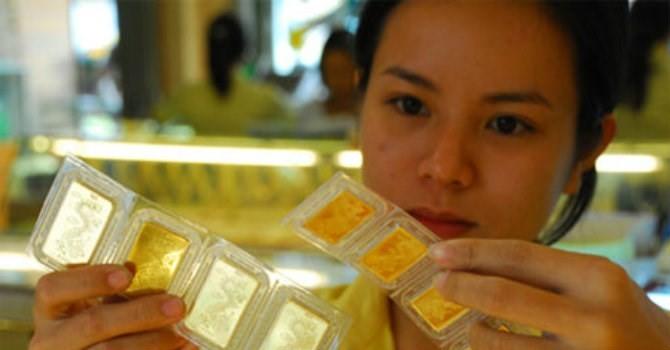 Giá vàng đồng loạt giảm nhanh