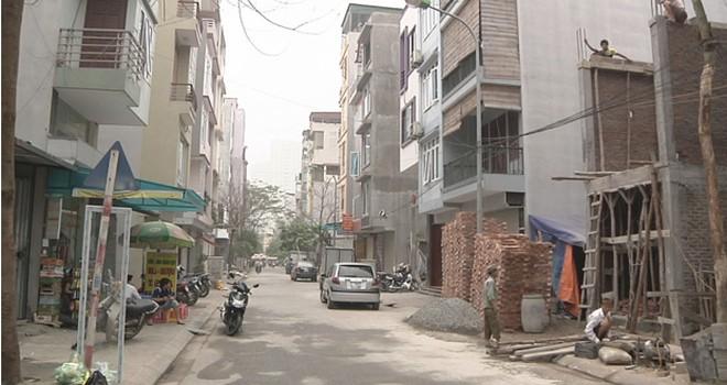"""Người dân khu tái định cư Phú Diễn vẫn chưa được """"yên ổn"""" sau 6 năm nhận nhà"""