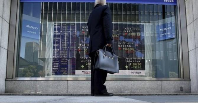 Nỗi lo 11.000 tỷ USD tại hai thị trường chứng khoán lớn nhất châu Á