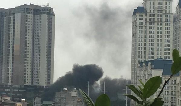 Hà Nội: Cháy lớn tại trạm điện lực Mễ Trì, quận Nam Từ Liêm