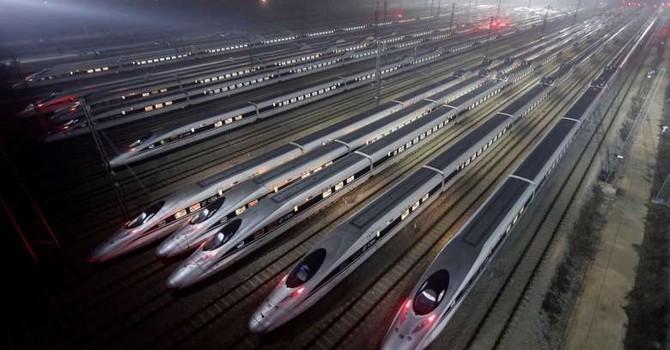 """Tập đoàn Đường sắt Trung Quốc """"nợ như chúa chổm"""", hơn cả Hy Lạp"""