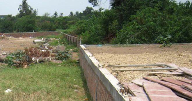 Phân lô bán đất nền tràn lan - nguy cơ phá vỡ quy hoạch